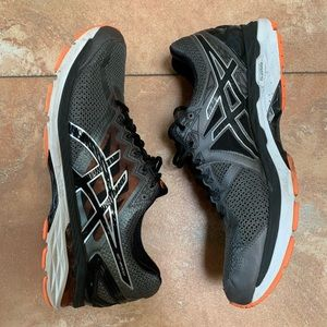 Used ASICS gel sneakers size 11 running shoes
